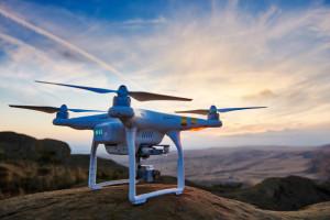 dron w locie - Phantom 4